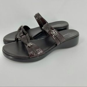 Brown BareTraps Sandals with Flower Accents 8.5